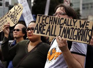 Existe una inestable relación de la meca tecnológica con la nueva administración que frenó la inmigración, propuso recortes dramáticos a la financiación gubernamental de la ciencia y trata de eliminar políticas como la neutralidad de la Red en favor de las empresas de telecomunicaciones