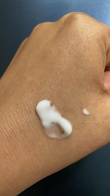 Mamaearth Skin Illuminate Serum Consistency