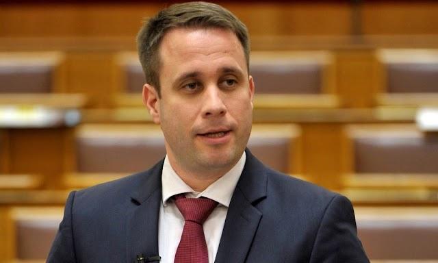 Dömötör Csaba újabb kérdéseket jelentett be a nemzeti konzultációból