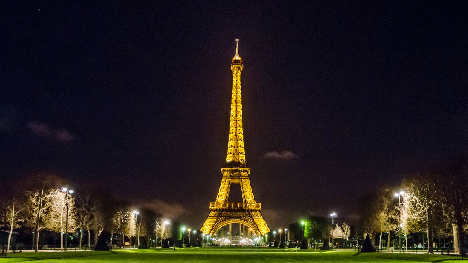 Eiffel Tower Night Desktop Backgrounds - Eiffel Tower ...