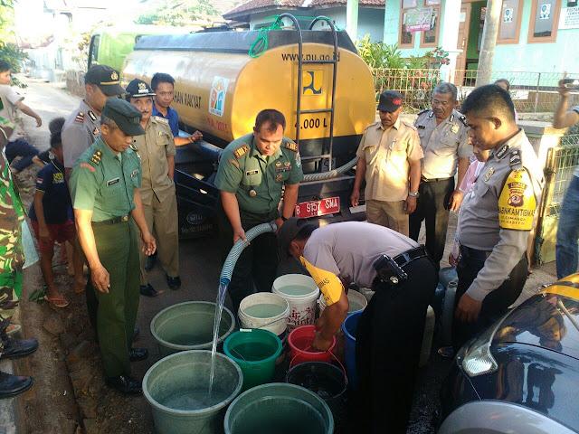HUT ke-72 TNI, Kodim 0610 Sumedang Salurkan air bersih
