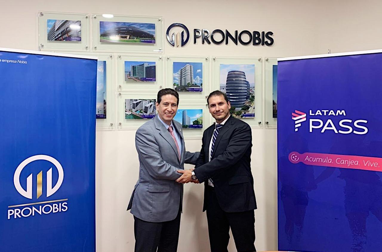 LATAM y PRONOBIS acuerdan alianza comercial