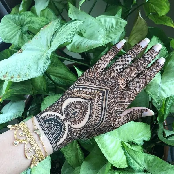 Leave_net_with_dot_henna_design