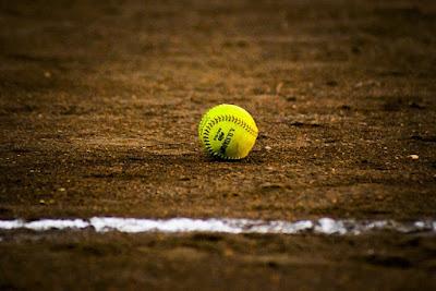 Permainan Bola Kecil melalui Aktivitas Permainan Softball