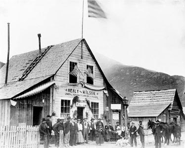 Picture of John Healy's store in Dyea, AK, 1895