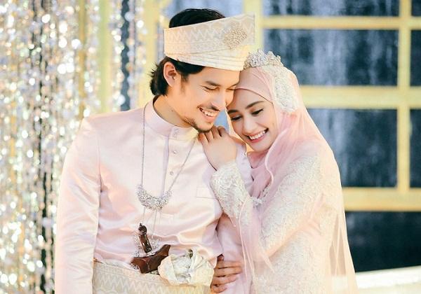 Masyaallah... Begini Cara Rasulullah Memberi Kemesraan Bersama Istrinya Penuh Cinta dan Kasih Sayang