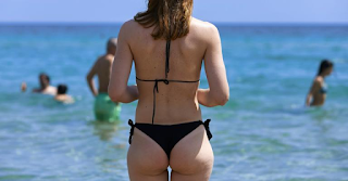 Ηράκλειο: Κακός χαμός σε παραλία – Το ζευγάρι έγινε θέαμα όταν βγήκε από τη θάλασσα!