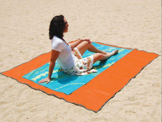 tech blog das perfekte gadget f r den strand nie mehr sand im badetuch. Black Bedroom Furniture Sets. Home Design Ideas