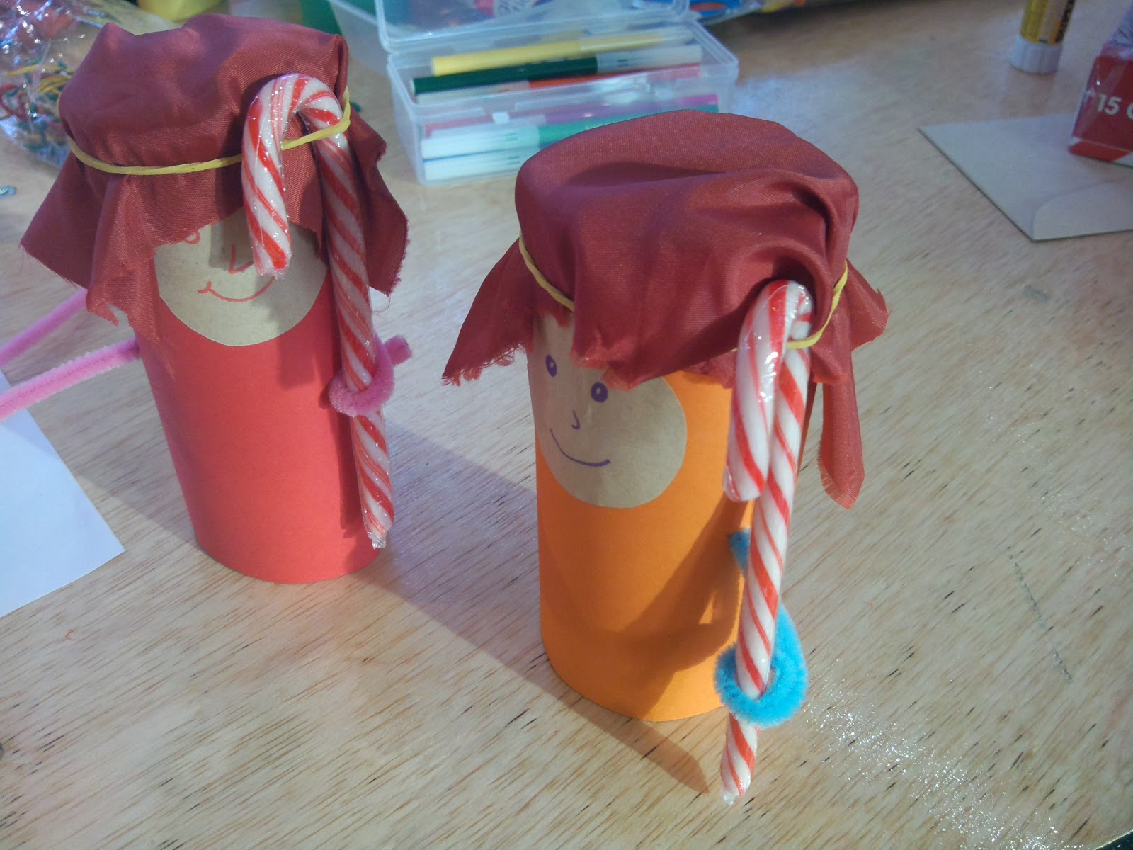 Flame: Creative Children's Ministry: Christmas Messy Church!