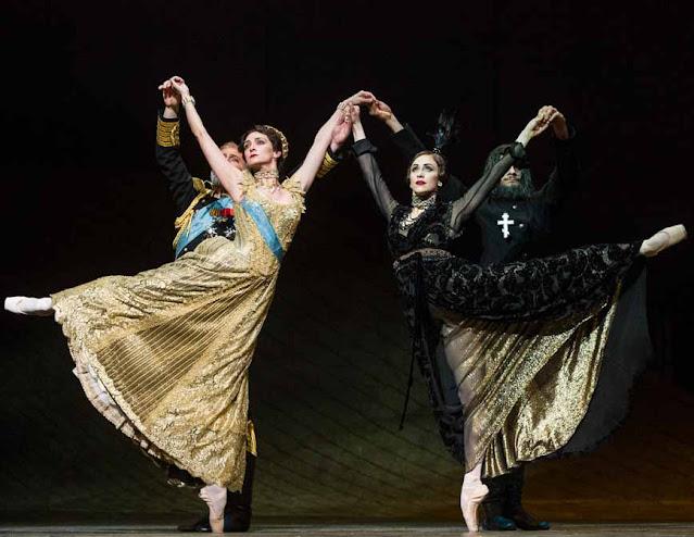 Anastasia figurino grã duquesa