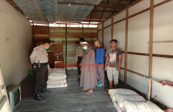 Polsek Kahayan Kuala Salurkan Bantuan Semen dan Rangka Baja Kepada Yayasan El-Fata Bahaur