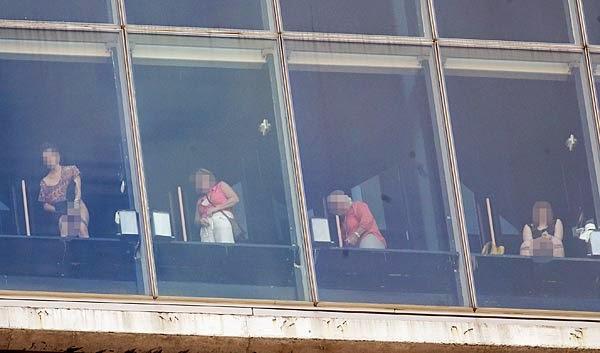 Gila!! Keadaan Dalam Tandas Di Hotel Ini Boleh Di Lihat Dari Luar
