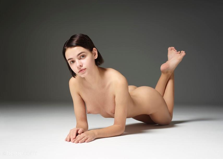 [Art] Ariel - Amazing Nudes - Girlsdelta