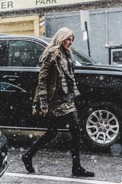 NYFW-New_York_Fashion_Week-Fall_Winter-17-Street_Style-Sarah_Ruston-Militar_TRend-Over_The_Knee_Boots-.jpg