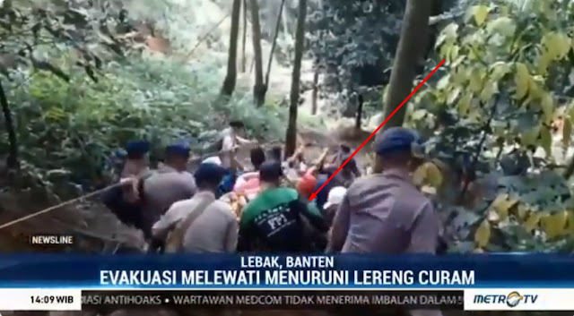 Evakuasi di Lereng Curam, Metro Tv Kecolongan, Nggak Ngeblur Relawan ini