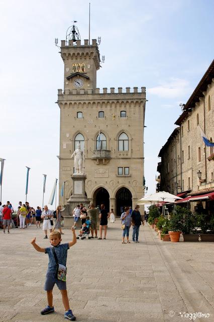 La Piazza della Libertà e il Palazzo Pubblico di San Marino