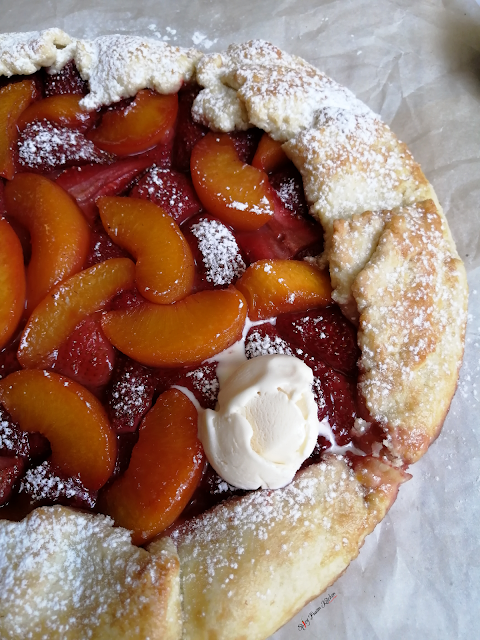 Strawberry and Peach Rustic Galette, food flatlay, flatlay, strawberry galette, peach galette, galette, galette recipe, fruit, strawberries, peaches, dessert, pie, tart, food, food photography, food blogger, food blog, food pictures, food recipe, dessert recipe, pastry, food stylist, spicy fusion kitchen, sweet, fruit tart, fruit galette, fruit pie, rustic galette, ice cream, vanilla ice cream, Häagen-Dazs