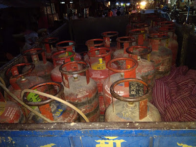 Illegal Gas Filling Accuse Arrested Fir Uttar Pradesh