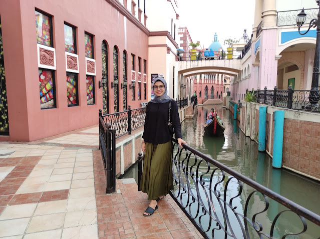 Tepi Sungai & Perahu Pengunjung   Little Venice Kota Bunga   Travegor