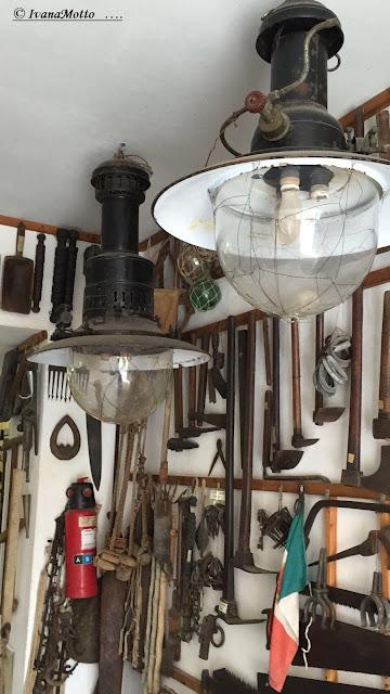 Genova pra 39 mostra di quadri e racconti sul borgo for Laboratorio di garage domestico