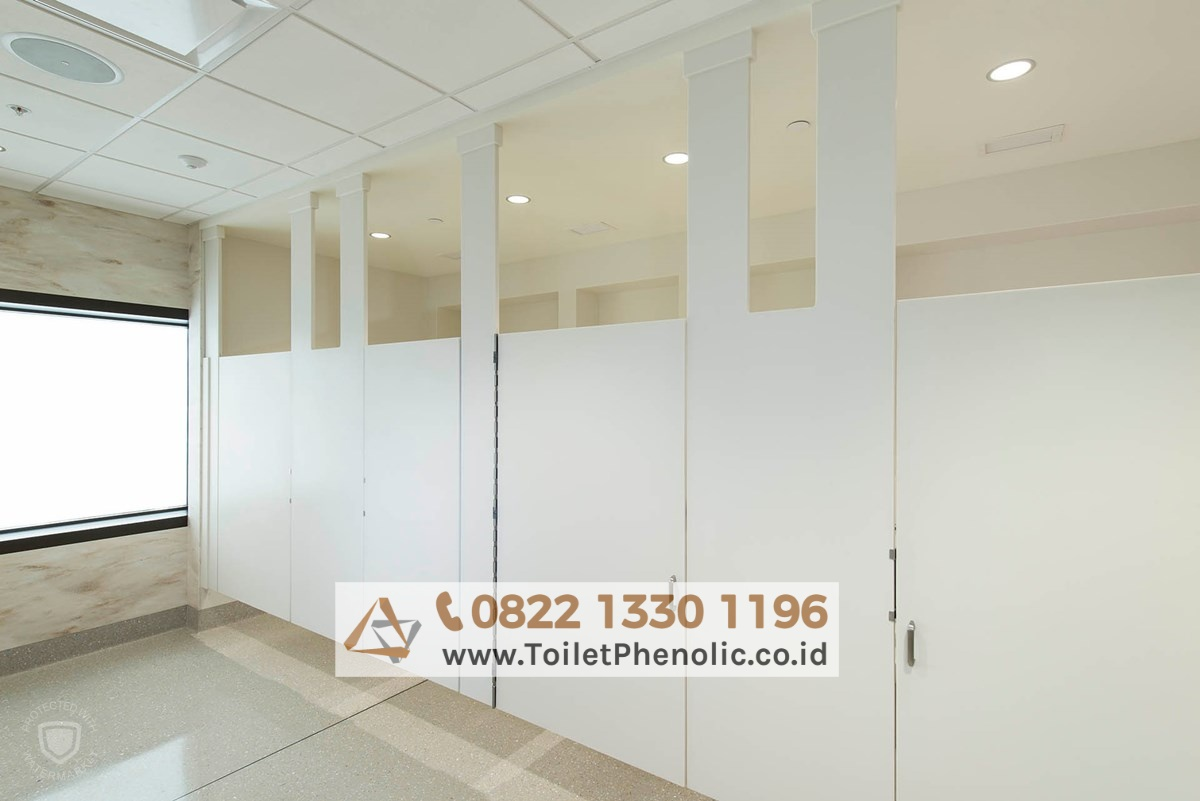 Toilet Cubicle Bukit Tinggi (Partisi Kamar Mandi Phenolic) Murah