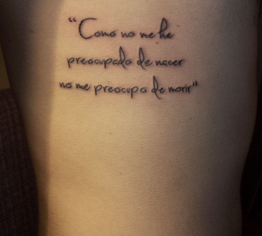 Tattoos Piercings Murales Craft Art Pequeño Texto En El Costado