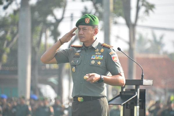 Panglima TNI Minta Prajurit TNI Harus Terus Perkokoh Kemanunggalan Dengan Rakyat