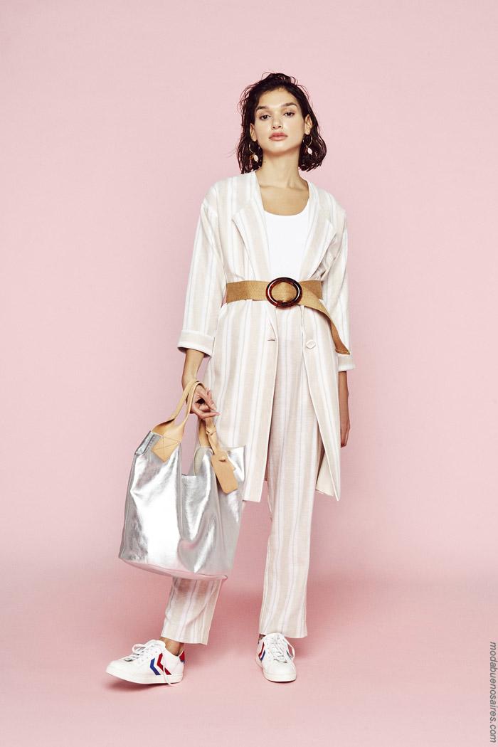 Moda trajes de mujer primavera verano 2020.