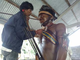 Patung Kepala Suku Papua