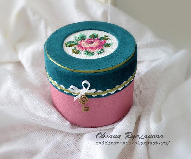 картонаж, скрапбукинг, шкатулка для бижутерии, тканевая шкатулка, вышивка,