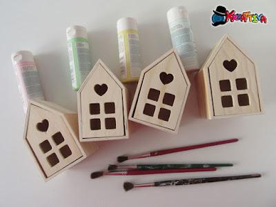 strumenti per dipingere il legno
