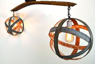 lámpara con barril de vino