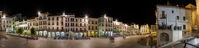 Plaza Mayor :: Panorámica 7 x Canon EOS5D MkIII | ISO100 | Canon 17-40@31mm | f/14 | 30s (tripod)