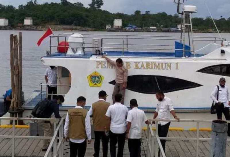 Alami Kebocoran, Kapal Pemkab Karimun Sandar di Perairan Pulau Nipah, Batam