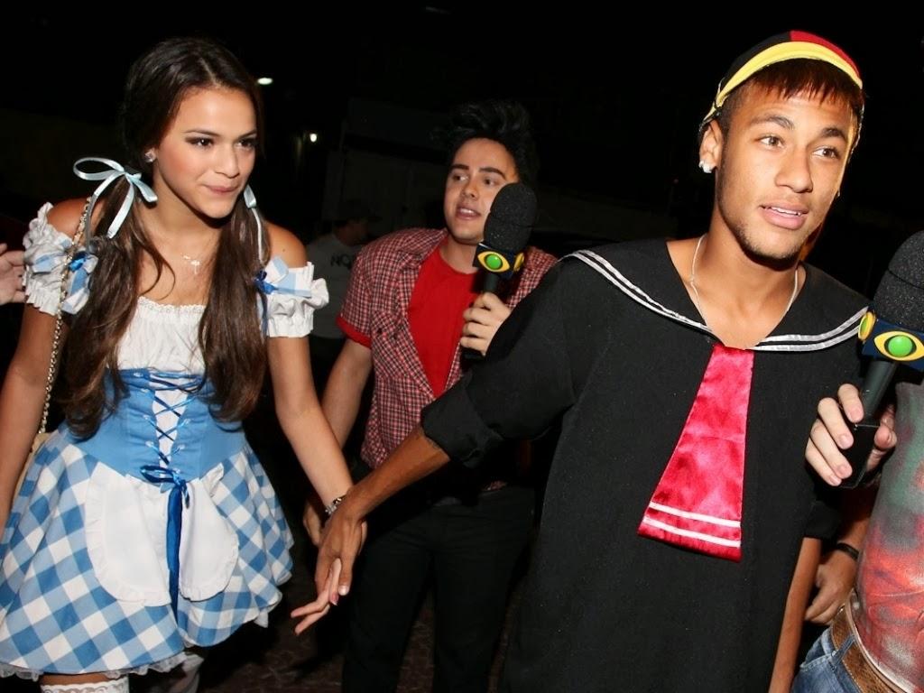 Novelas Radar: Bruna Marquezine confirms breakup with Neymar