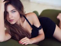 Nonton Film Bokep Romania Full Porno Khusus Dewasa : Bucuresti Elena Paradise (2021) - Full Movie | (Subtitle Bahasa Indonesia)