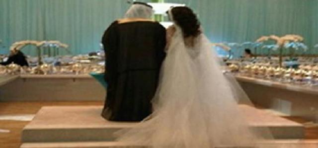 لسبب غريب جدا ...سعودي يطلق عروسه ليلة الزفاف رمى عليها يمين الطلاق وتركها وحيدة ... هل يستحق هذا السبب الطلاق؟ !