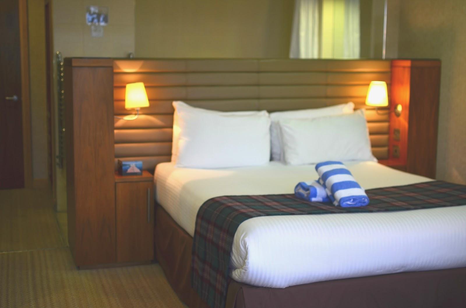 loch lomond, lodge on the loch munros room, scotland, scottish hotel,
