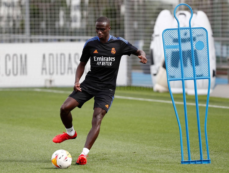 Real Madrid left-back Mendy returns to group training