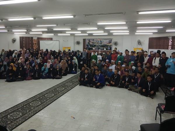 Towards Excellent; Hadirkan Tiga Pemateri Asal Indonesia, Malaysia dan Kamboja