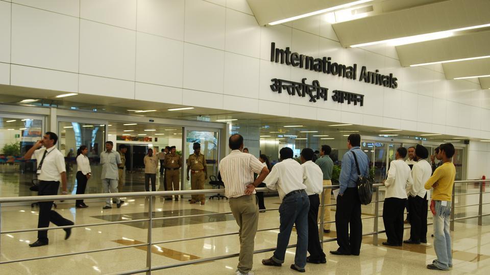 दिल्ली के इंदिरा गांधी एयरपोर्ट पर RDX से भरा संदिग्ध बैग मिला, बढ़ाई गई सुरक्षा
