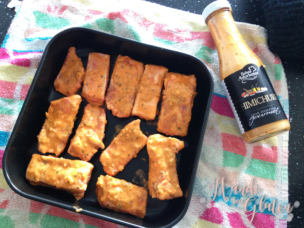 Costillas asadas con salsa chimichurri