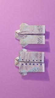 Hướng dẫn cách gấp áo bằng tiền giấy đơn giản