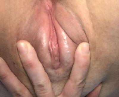 Rubia amateur cachonda desnuda