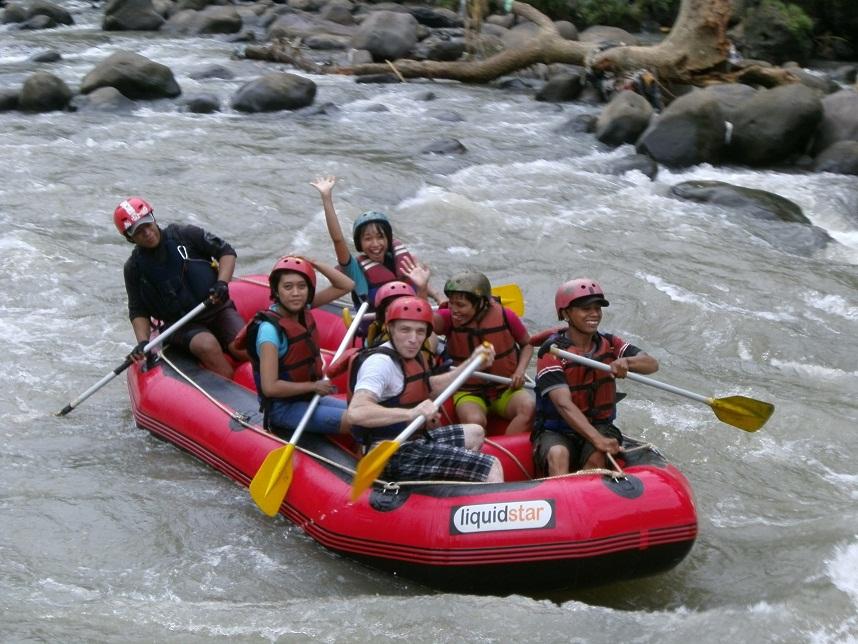 harga paket rafting di jogja tempat arung jeram magelang sungai elo river