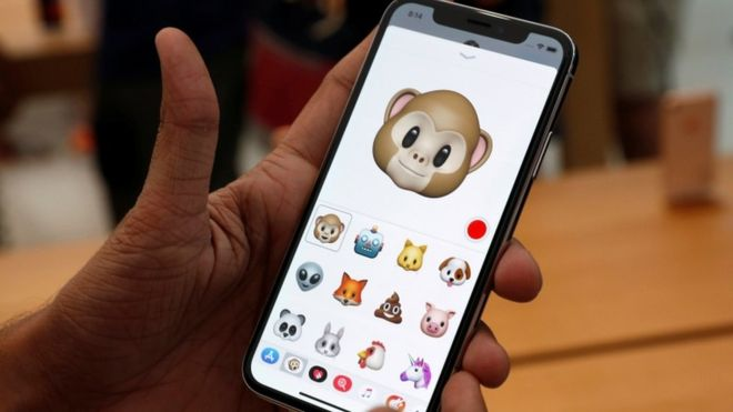 Apple apologises for slowing older iPhones down