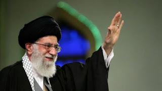 Ali Khamenei dan Tiga Kontroversi dalam Kepemimpinannya