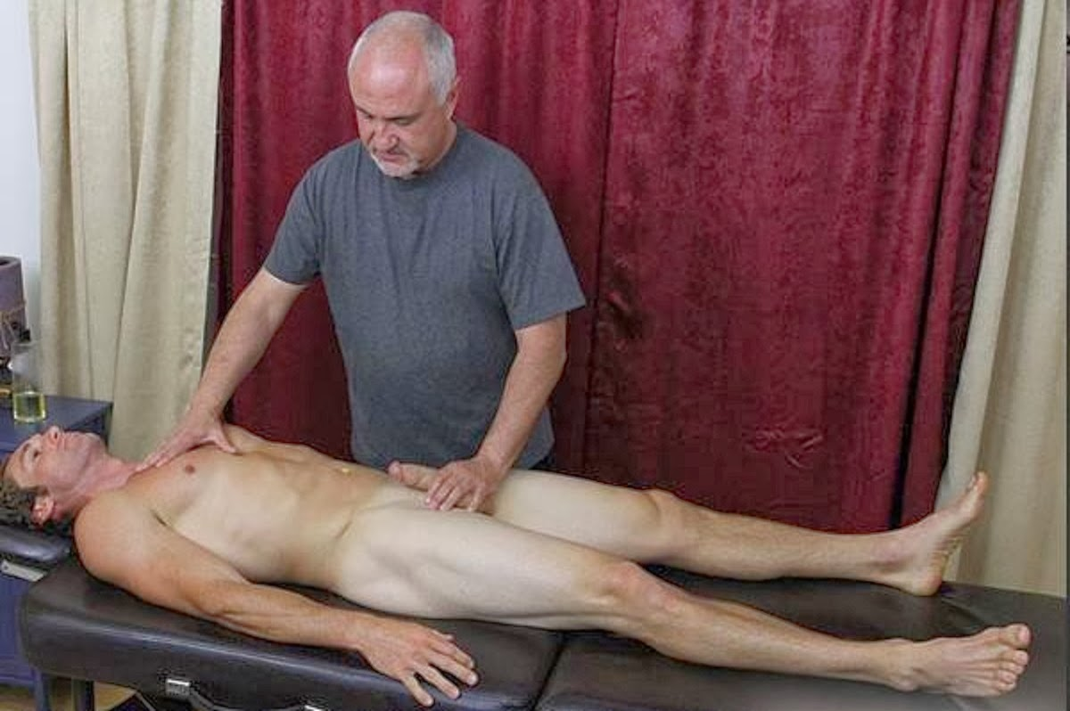 Sportsman Bulge Naked  Massage-2000