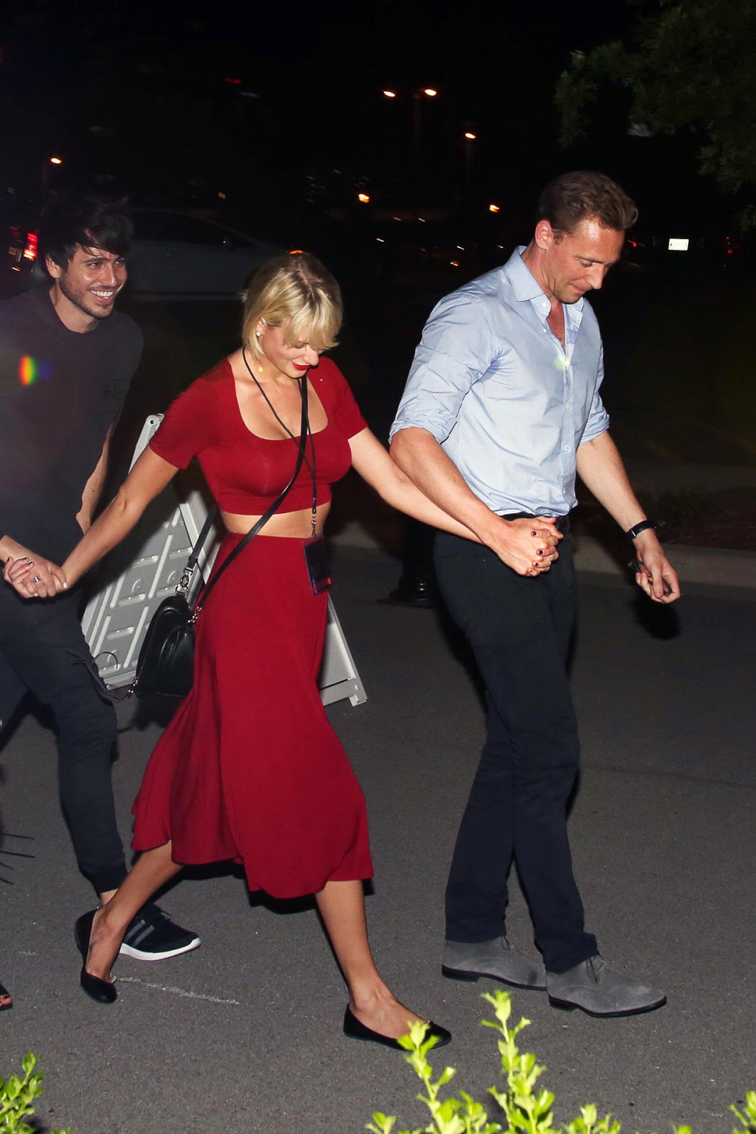 Celebs Today Taylor Swift With Tom Hiddleston At Selena Gomez Concert In Nashville June 22 2016