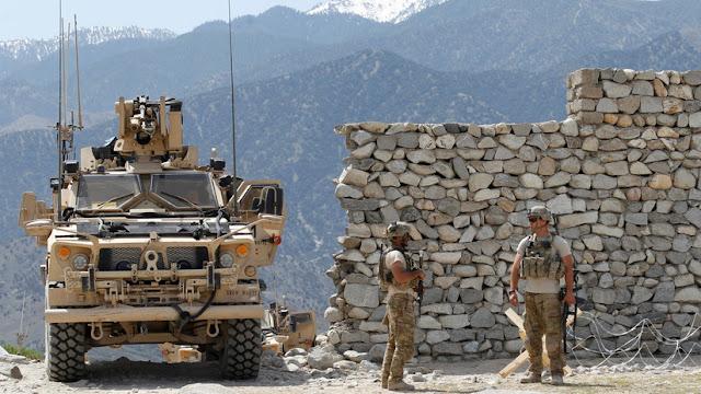 """Trump afirma que las tropas de EE.UU. pueden regresar """"muy rápidamente"""" a Afganistán y Siria si es necesario"""
